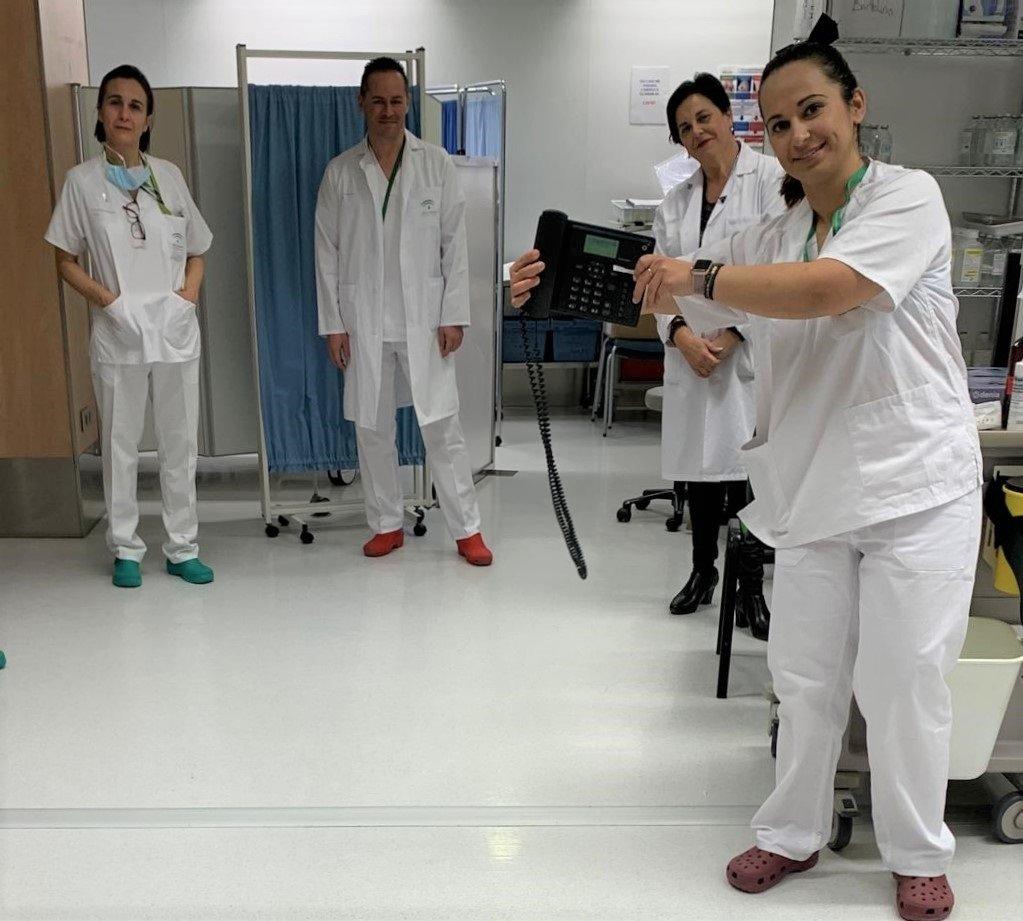 Matronas del Hospital Virgen de las Nieves atienden telefónicamente las consultas de embarazadas