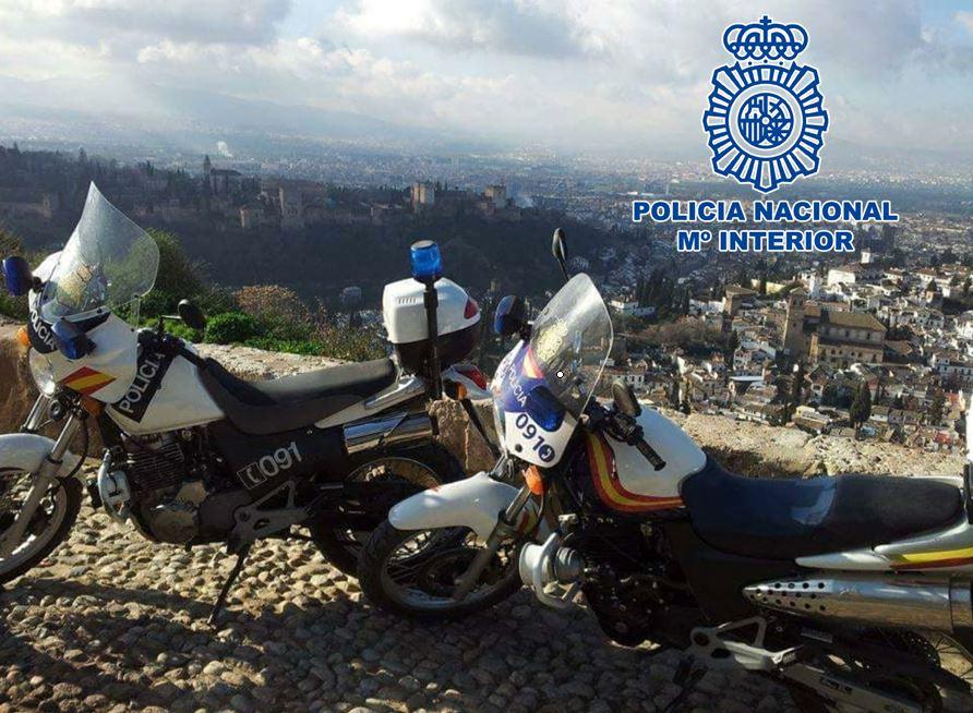Dos detenidos por un presunto robo con violencia en un parking de Granada