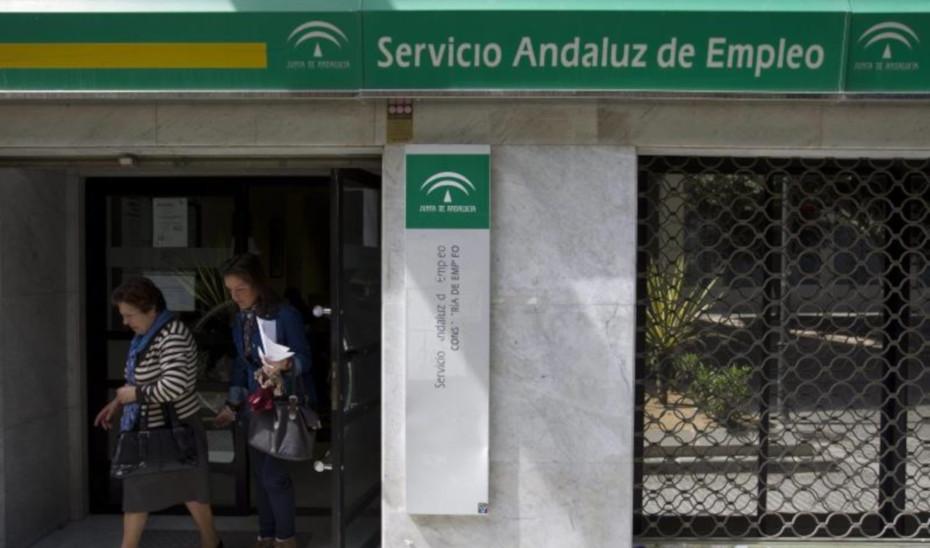 El SAE refuerza en Granada la atención a demandantes de empleo y a empresas