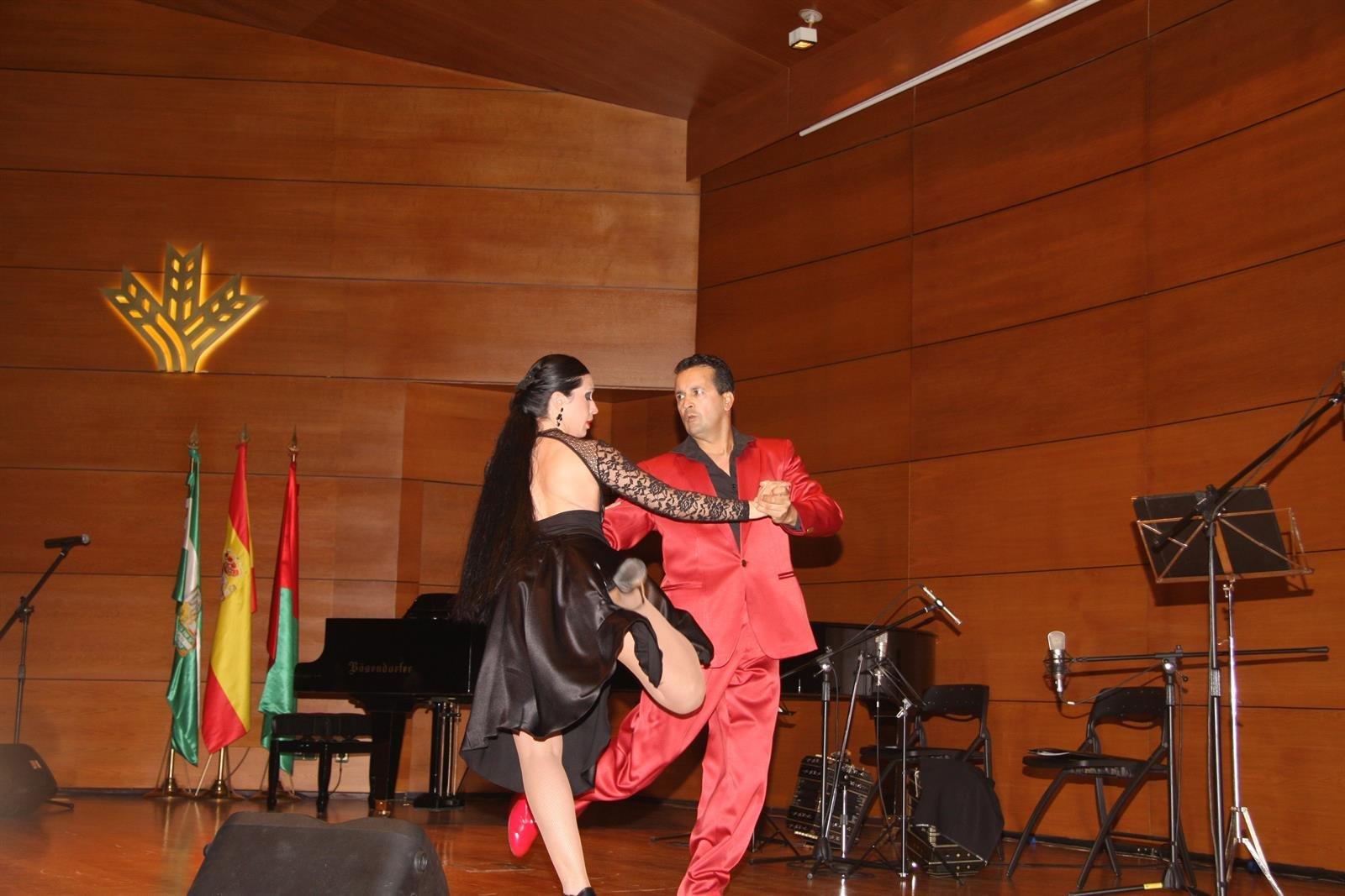 La Fundación Caja Rural Granada acogerá un espectáculo gratuito del Festival de Tango