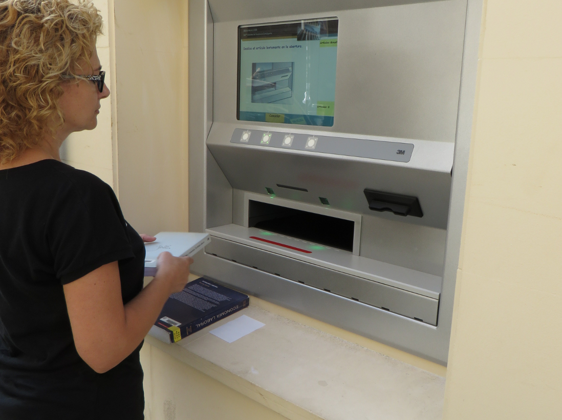 La Biblioteca de la Universidad habilita un servicio de buzón de devolución de libros