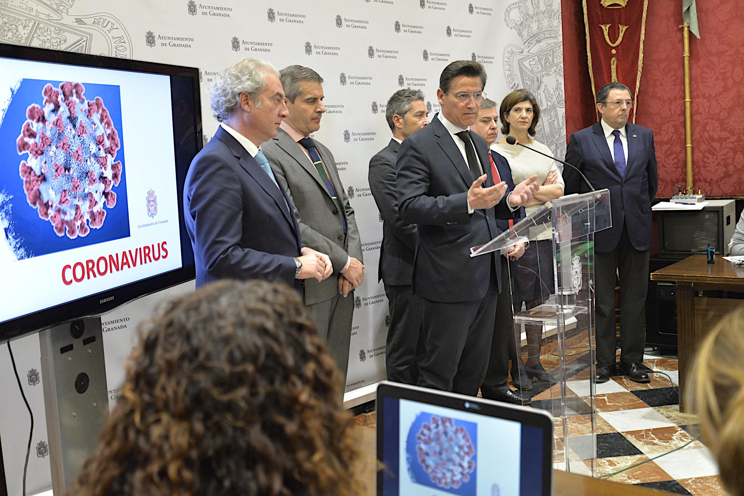 Luis Salvador responde ante la alarma del coronavirus en la capital y alaba la «sensatez» de VOX