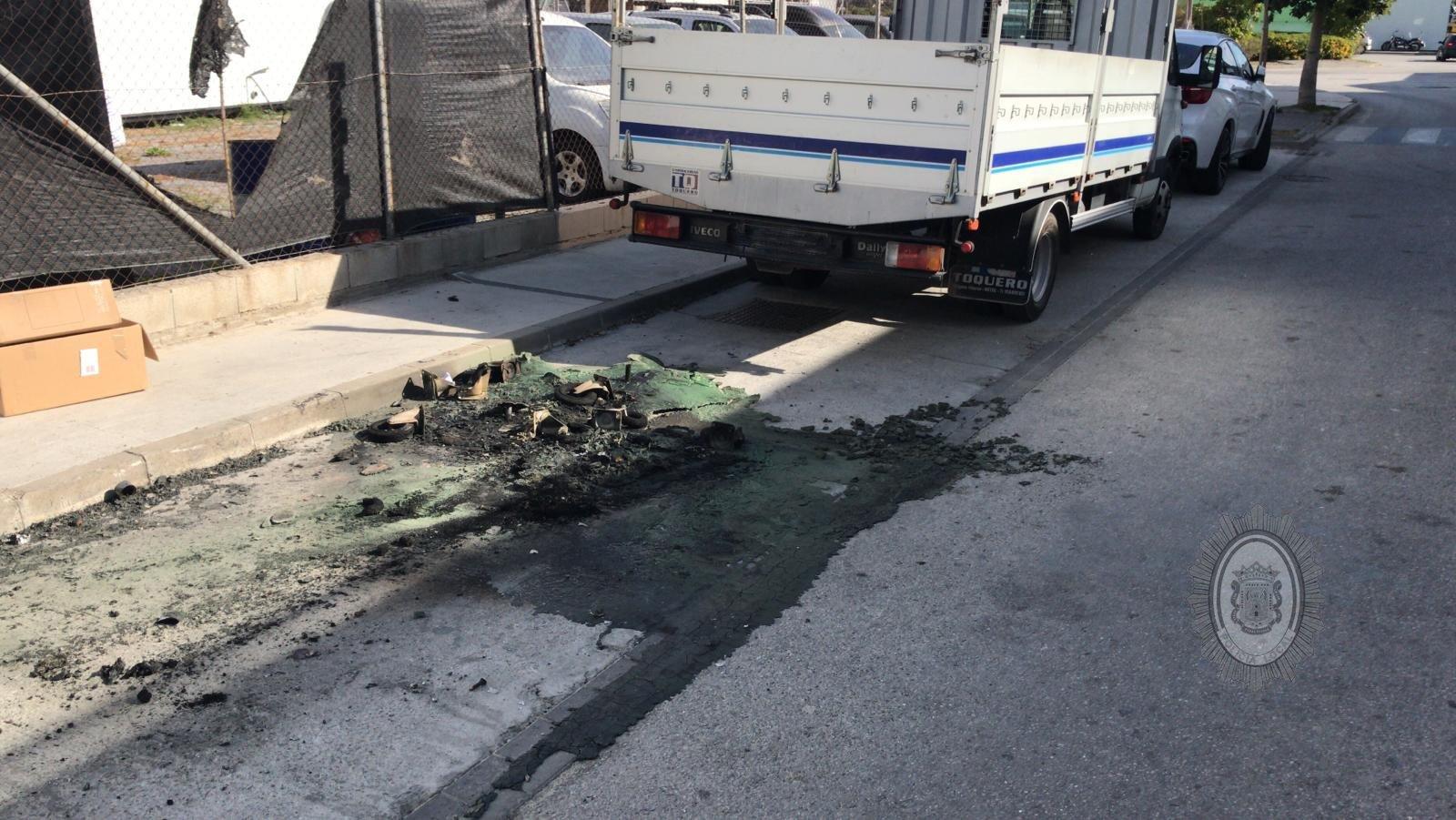 Detenidos dos jóvenes por quemar varios contenedores en Motril