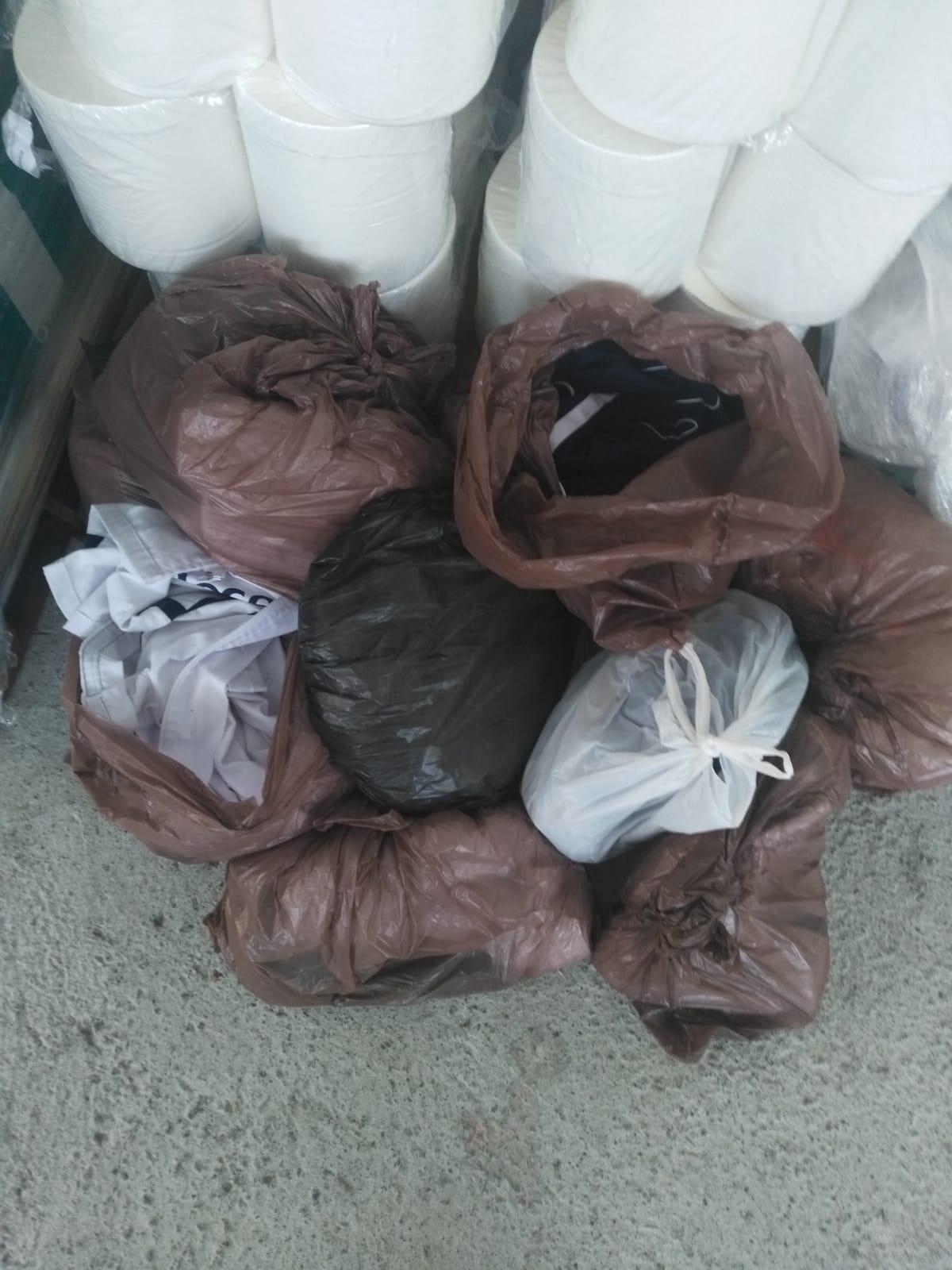 CGT denuncia que la empresa de limpieza del Hospital Ruiz de Alda mantiene los uniformes de las trabajadoras sin lavar en plena crisis del coronavirus.