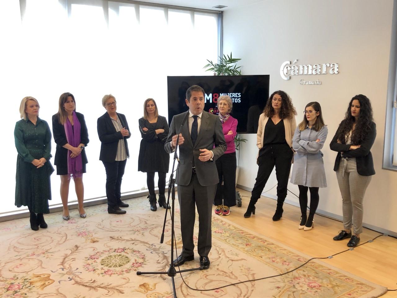 Para Gerardo Cuerva Granada está desperdiciando el talento empresarial femenino