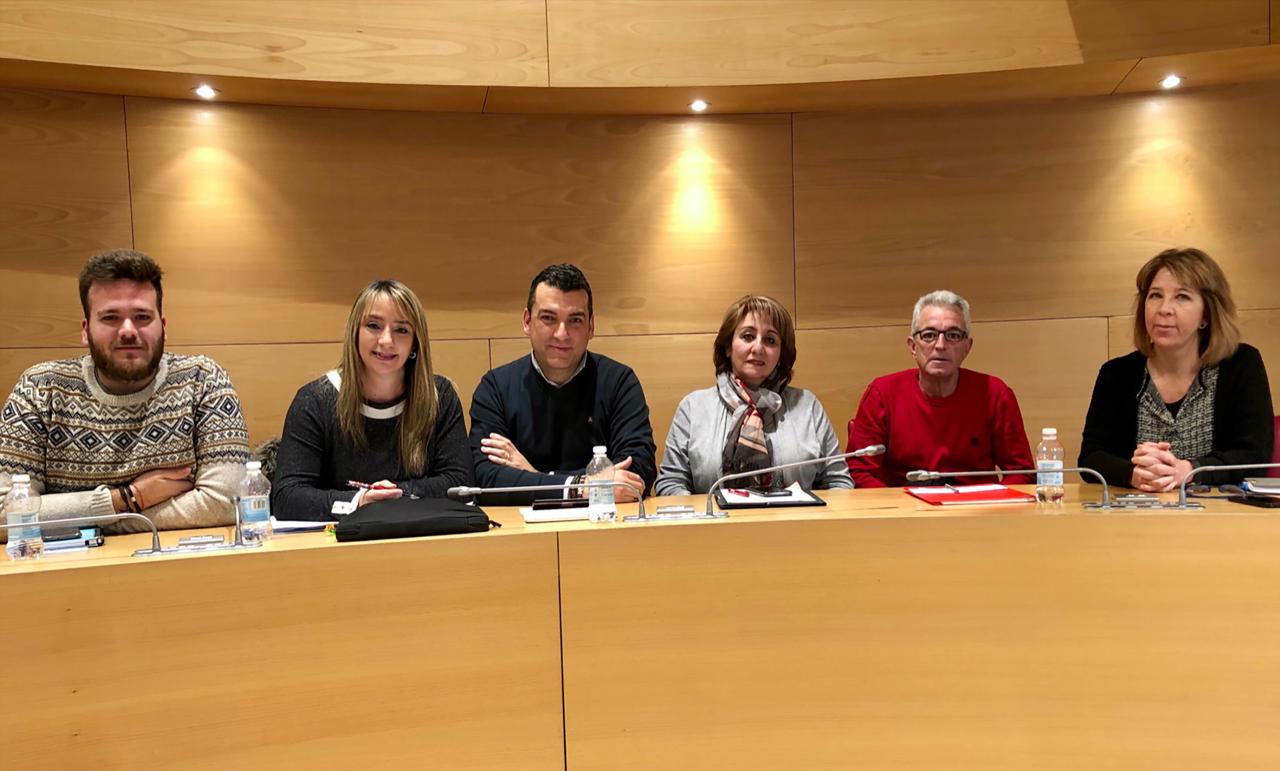 El PSOE de Huétor Vega pide al alcalde (PP) que atienda las reivindicaciones y amplíe el personal de mantenimiento de los colegios públicos