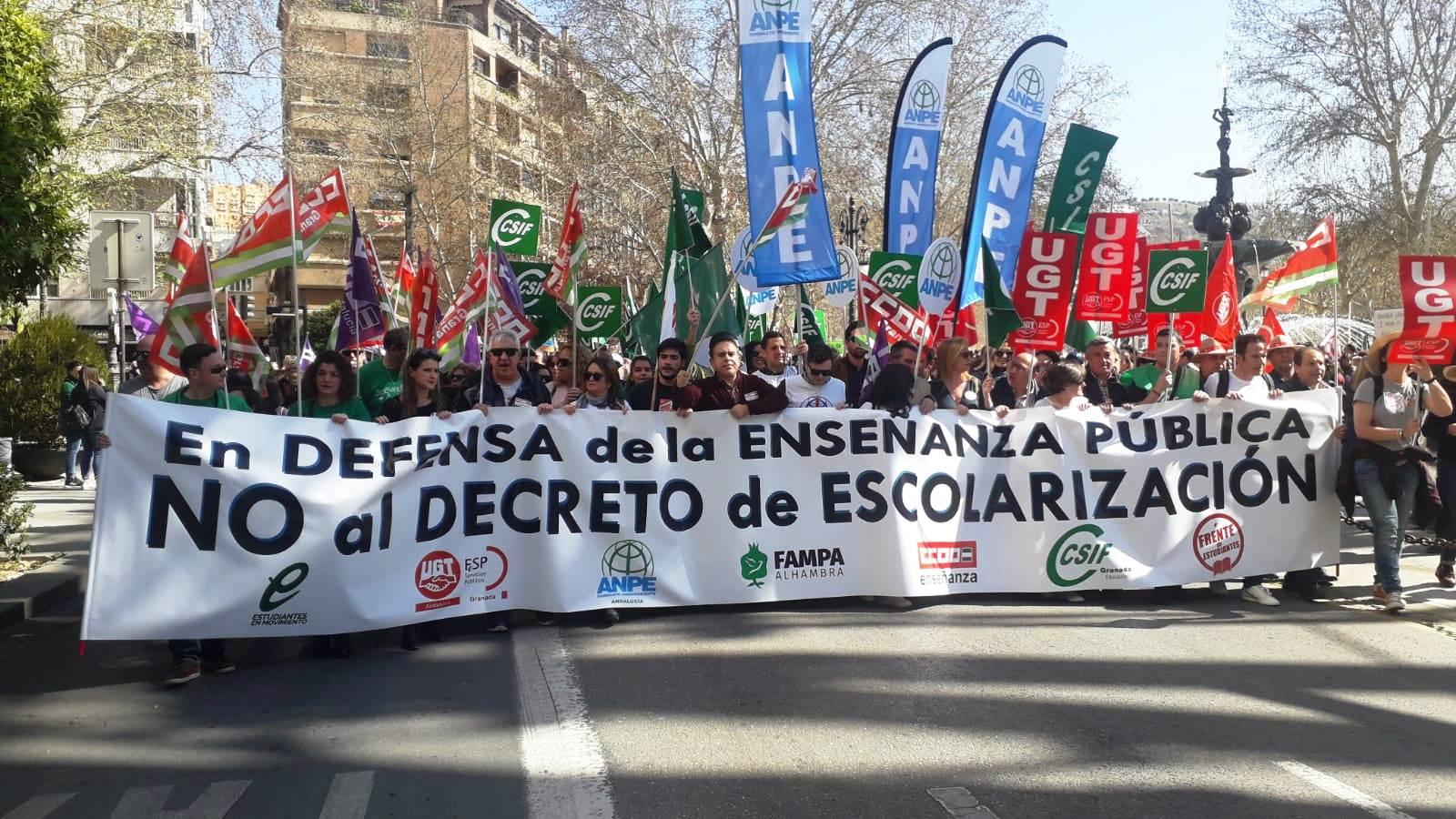 La Comunidad Educativa se moviliza y secunda la huelga en defensa de la enseñanza pública