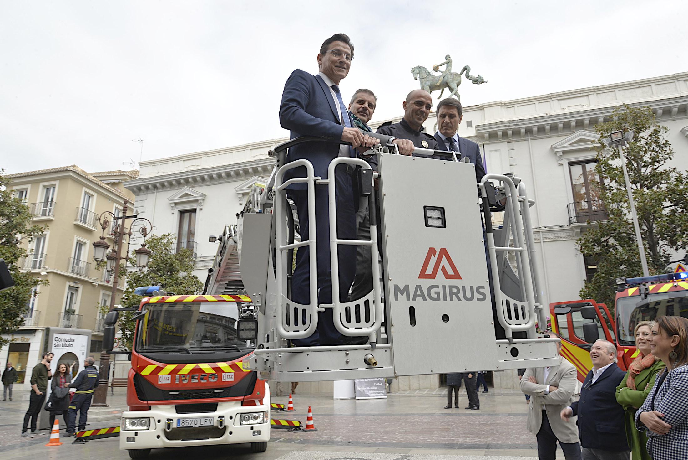 Dos nuevos vehículos de bomberos se incorporan para mejorar el servicio