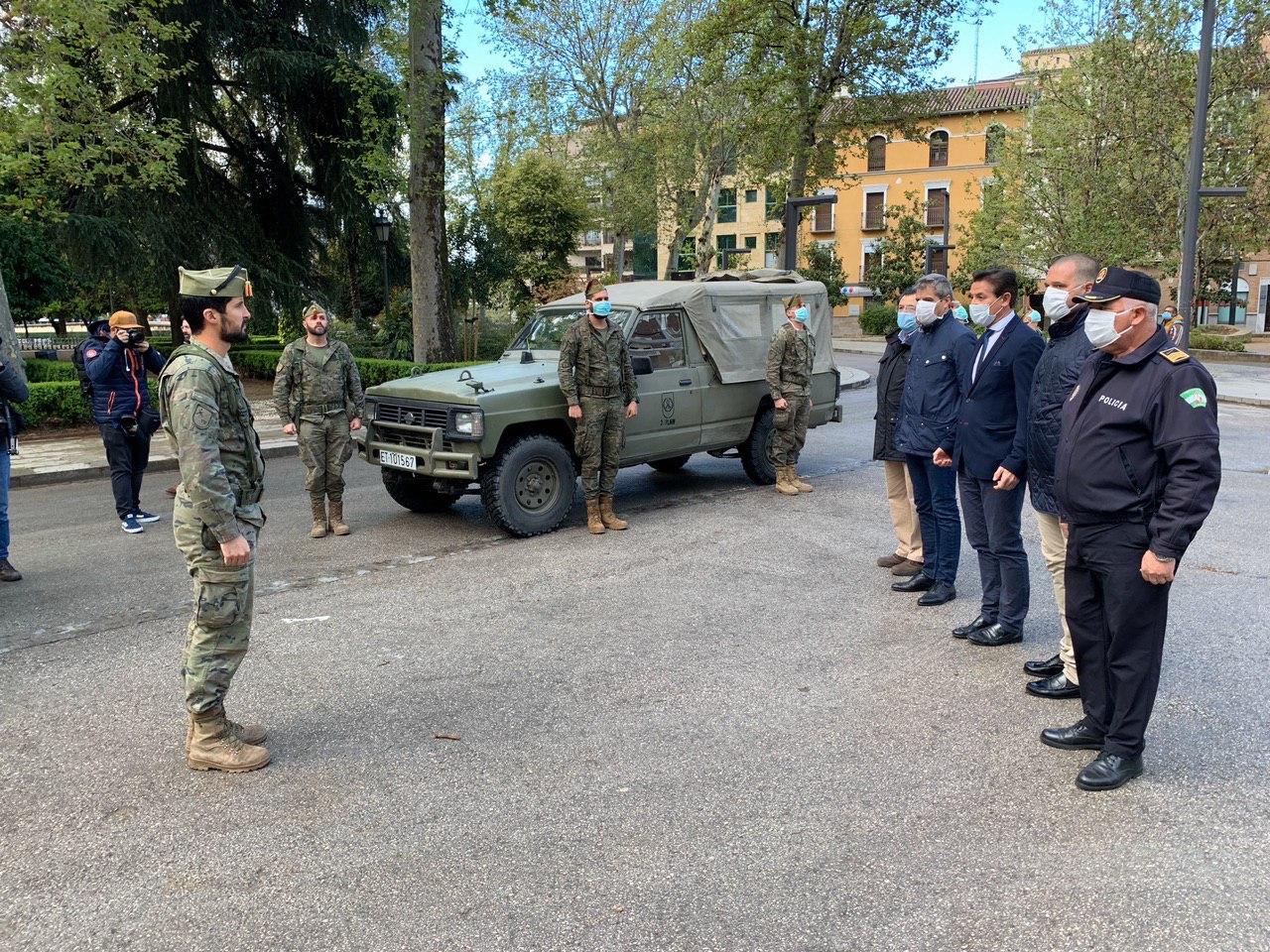 La Legión ya realiza labores de control y seguridad en Granada