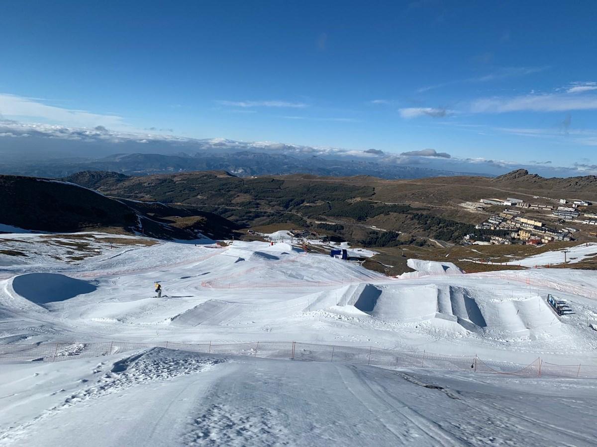 Los grandes riders mundiales llegan a Sierra  Nevada para la Copa del Mundo de Snowboard Cross