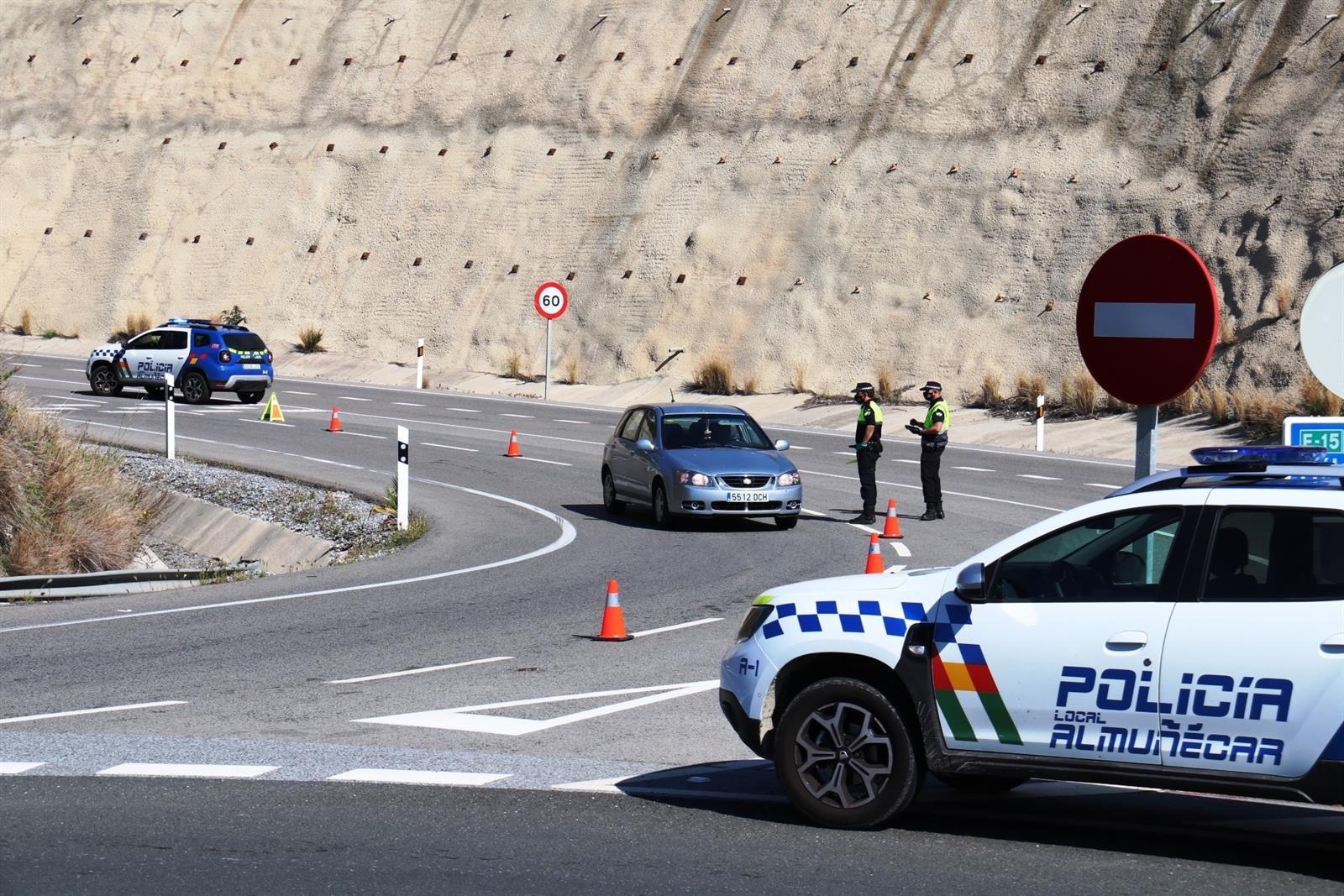 Almuñécar incrementa los controles de acceso al municipio ante el puente del Primero de Mayo
