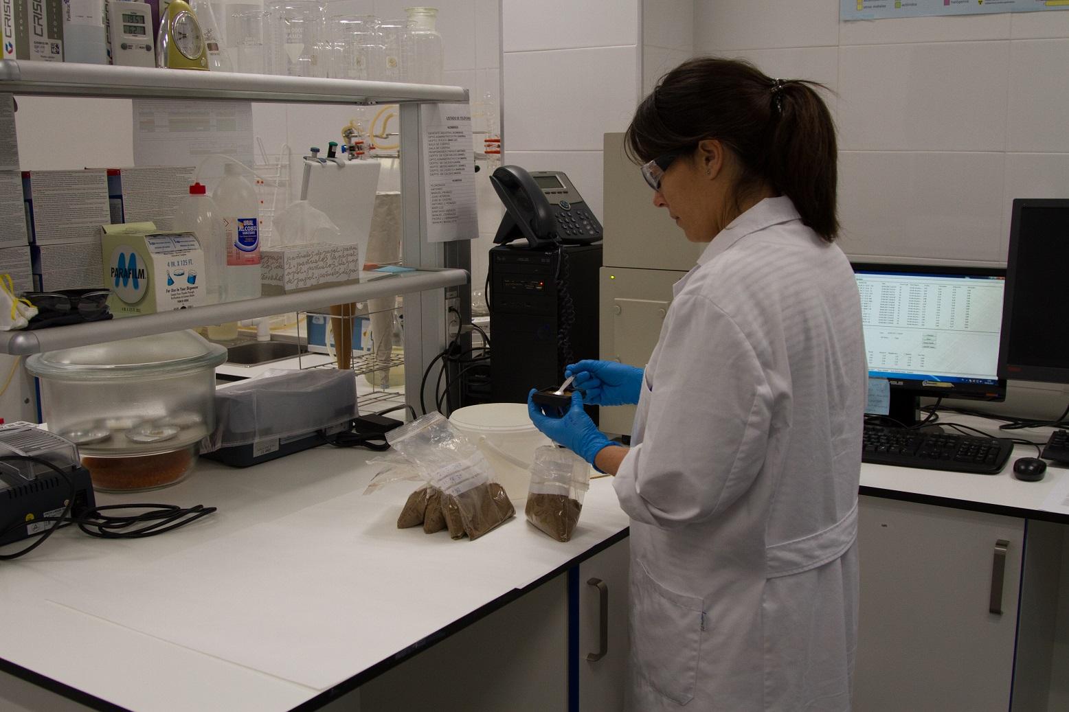 El Instituto de Investigación Biosanitaria de Granada colabora con casi medio centenar de donaciones destinadas a los hospitales de Granada