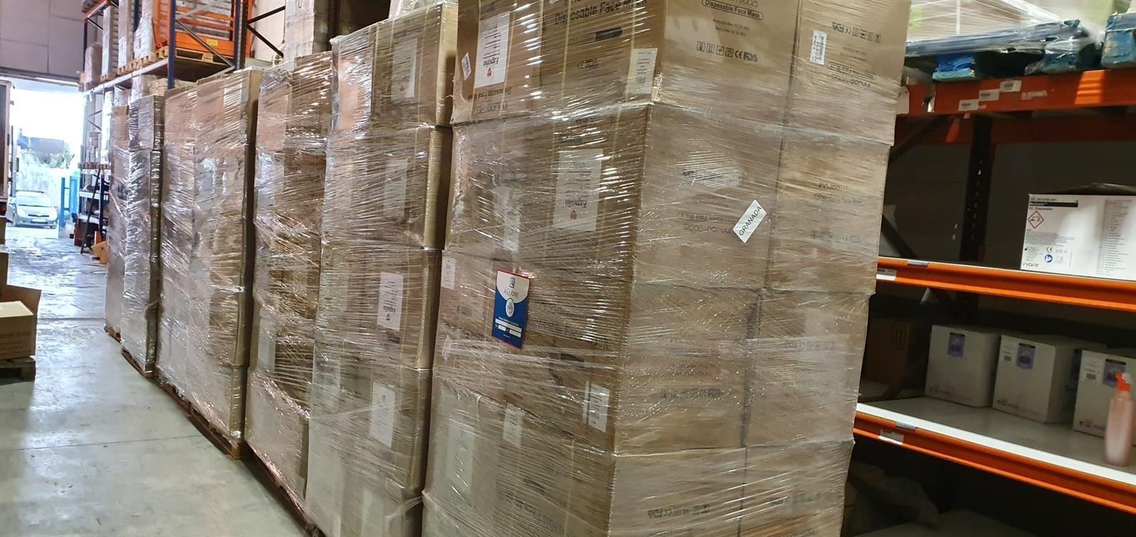 La Junta entrega a Diputación 12.000 mascarillas para las residencias de la provincia