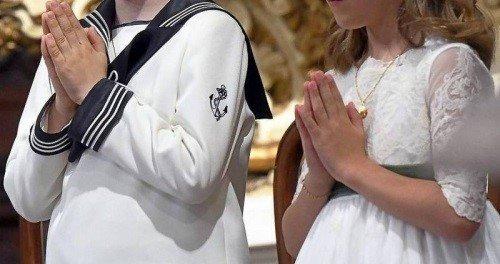 Las parroquias empezarán a celebrar primeras comuniones con cinco niños y solo padres y abuelos