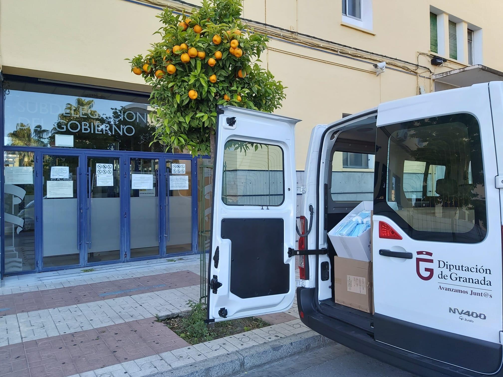 Diputación distribuye 27.000 mascarillas para los municipios y 1.800 pantallas y 600 gafas protectoras para ayuda a domicilio