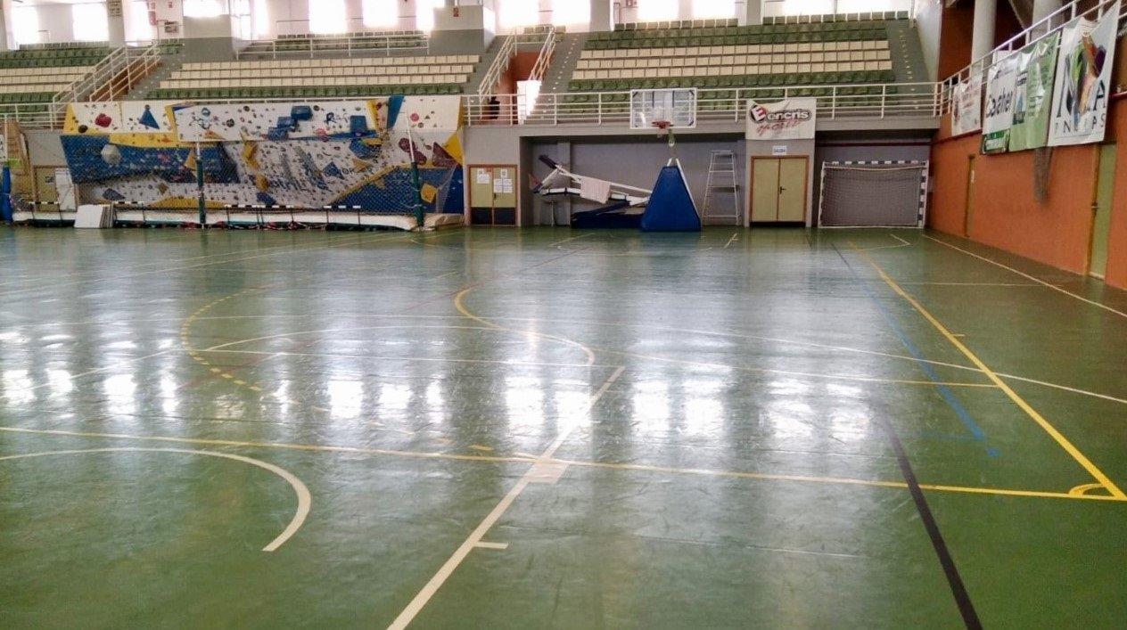 Motril cierra el pabellón deportivo a las personas sin hogar ante el descenso de usuarios