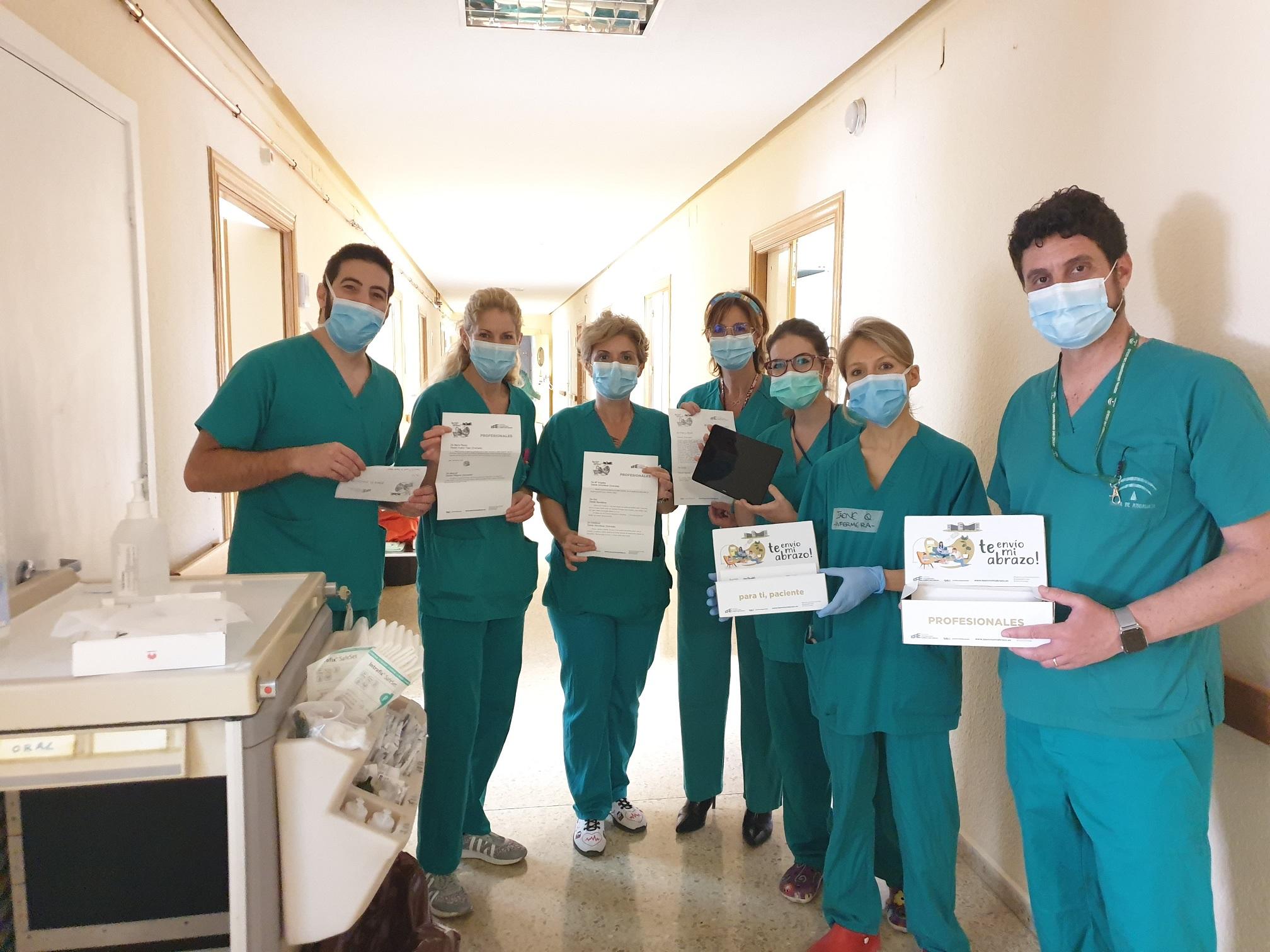 1.600 cartas de ánimo para los pacientes con coronavirus del Hospital San Cecilio