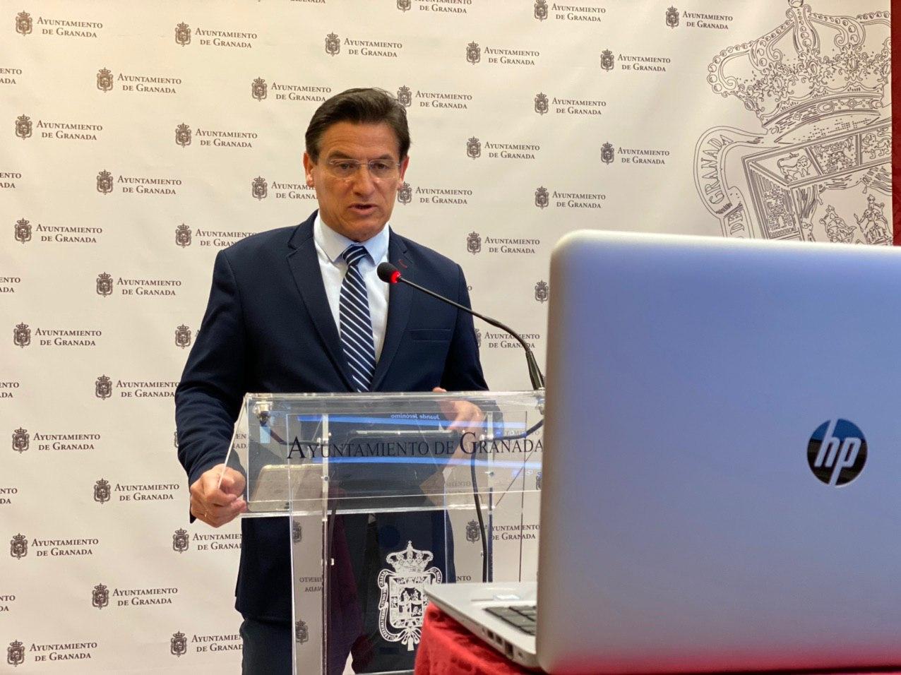 El alcalde pide adelantar la apertura de fronteras al turismo internacional