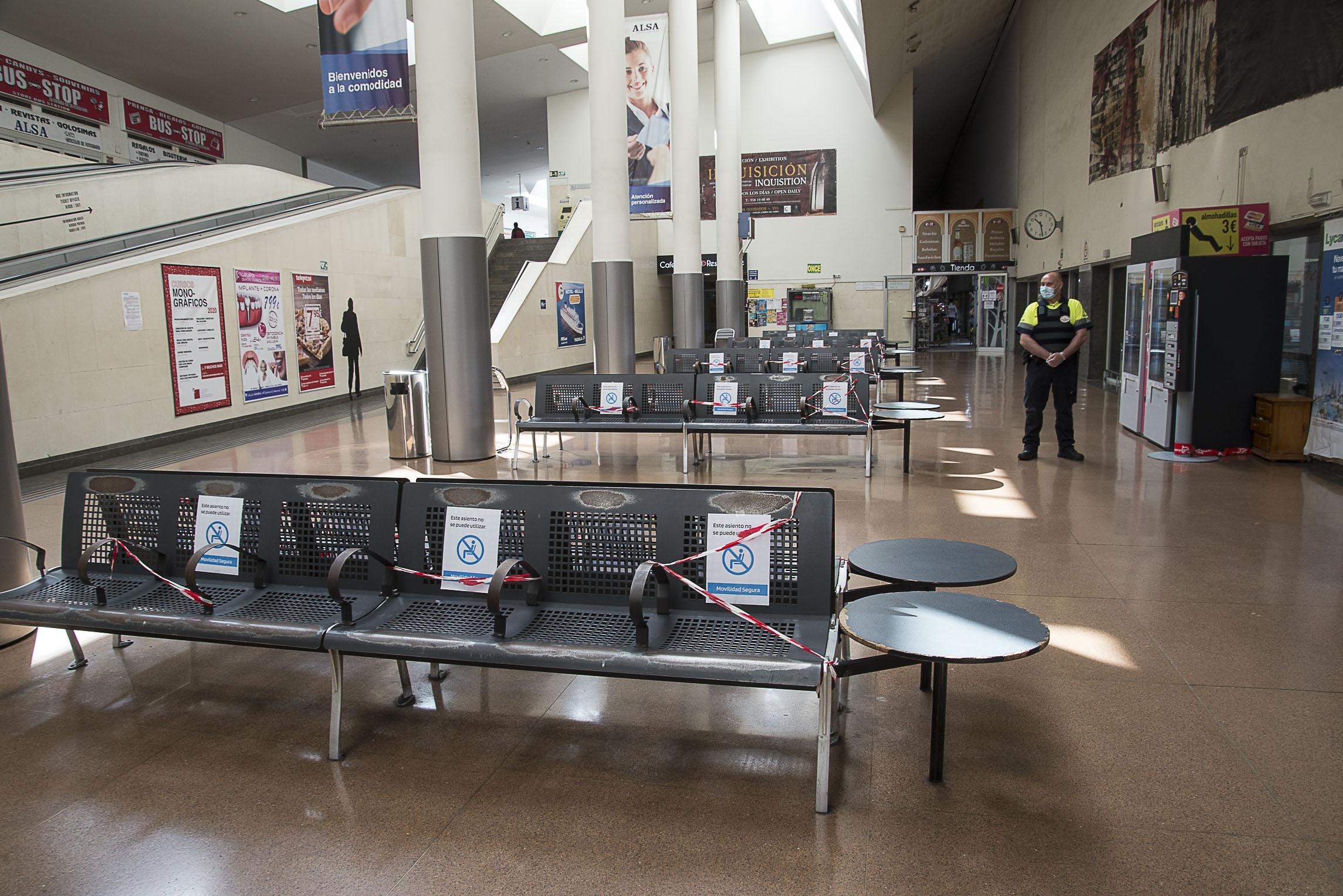 La estación de autobuses se adapta a las medidas sanitarias y de distanciamiento requeridas