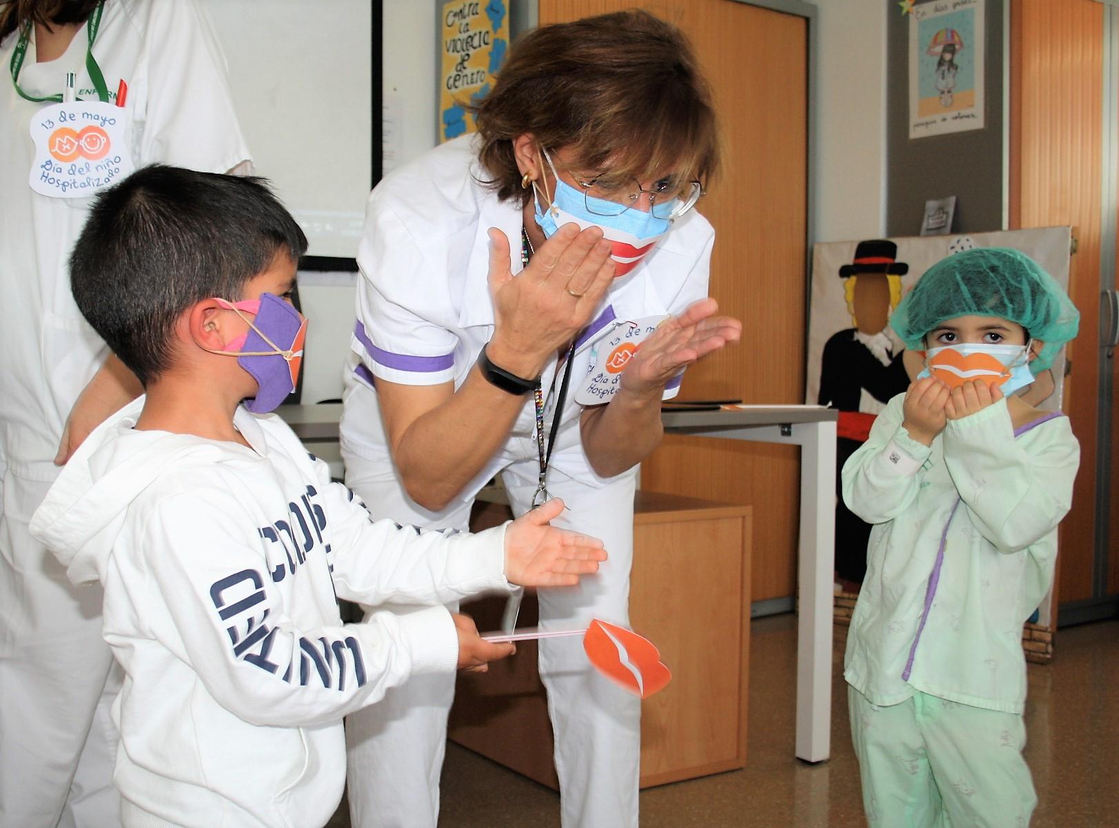 """El Hospital San Cecilio conmemora el Día del Niño Hospitalizado enviando """"besos virtuales"""""""