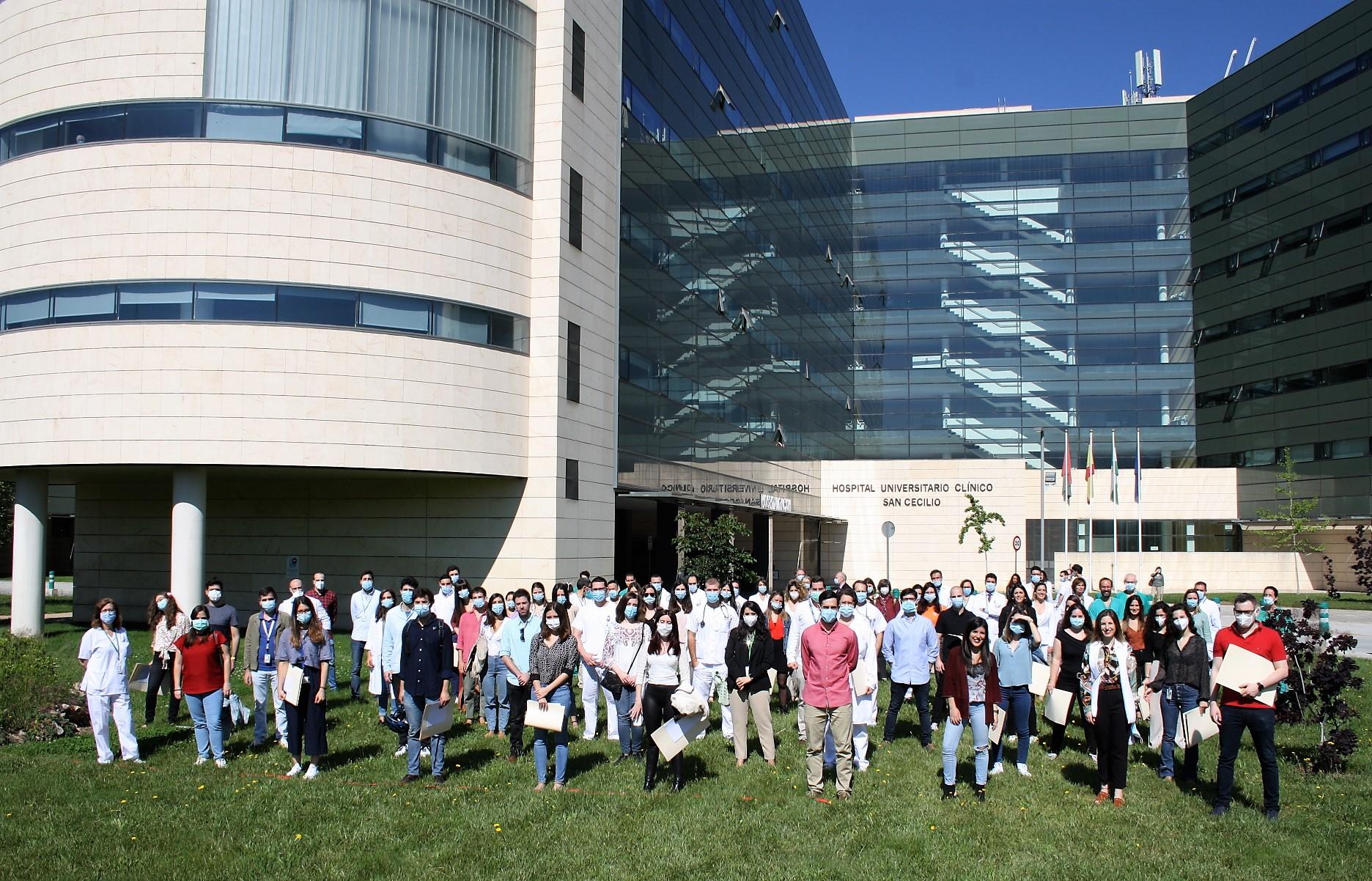 59 especialistas internos residentes finalizan su formación en el Hospital Clínico