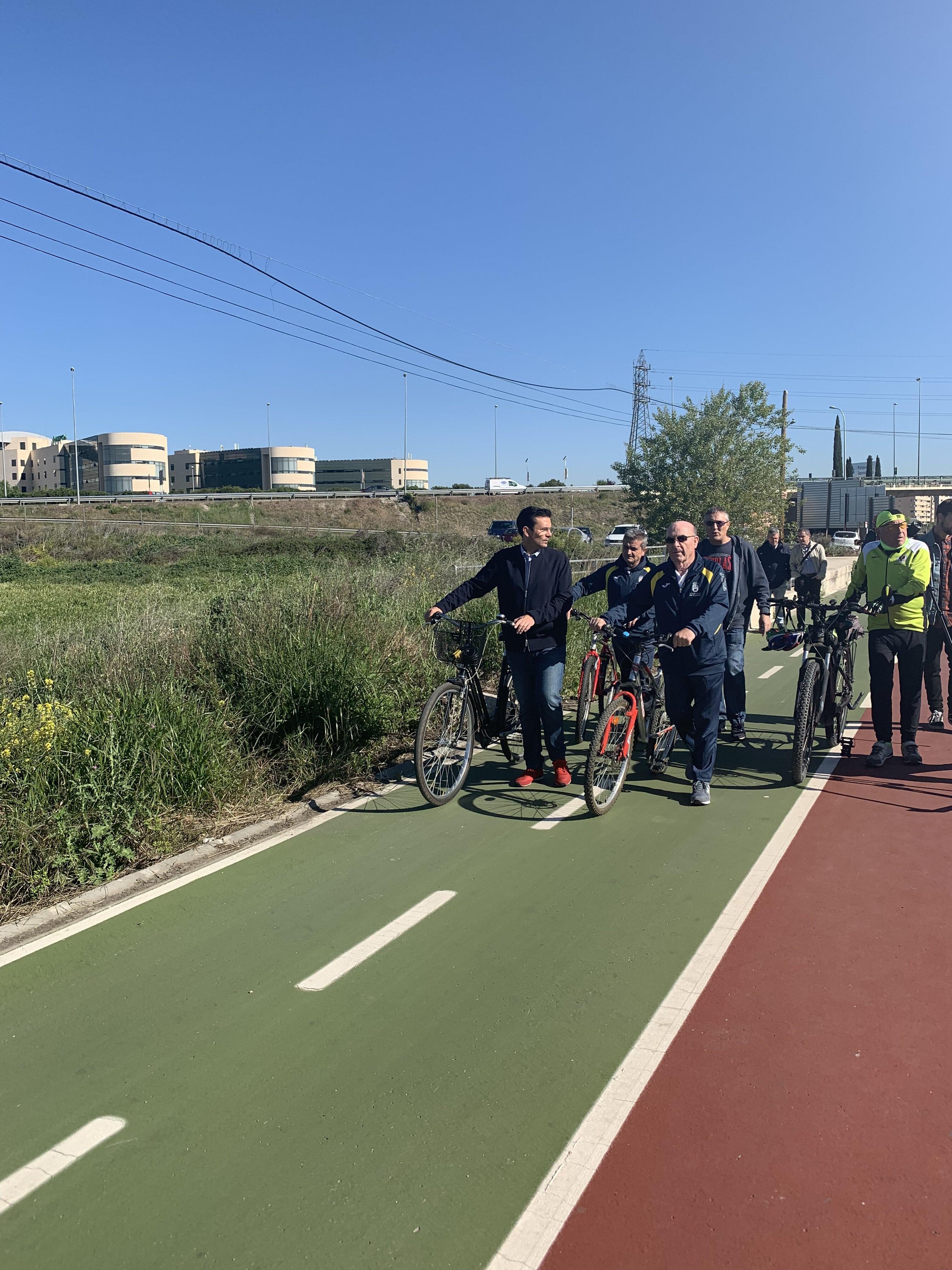 El PSOE propone reservar un carril para bicis en las calles más anchas