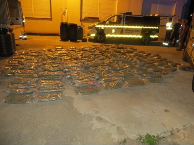 Detenido cuando transportaba casi 260 kilos de marihuana ocultos entre intestinos de animales