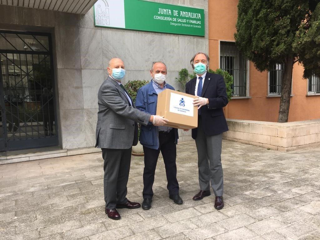 El Colegio de Enfermería aporta 24.000 mascarillas para sanitarios