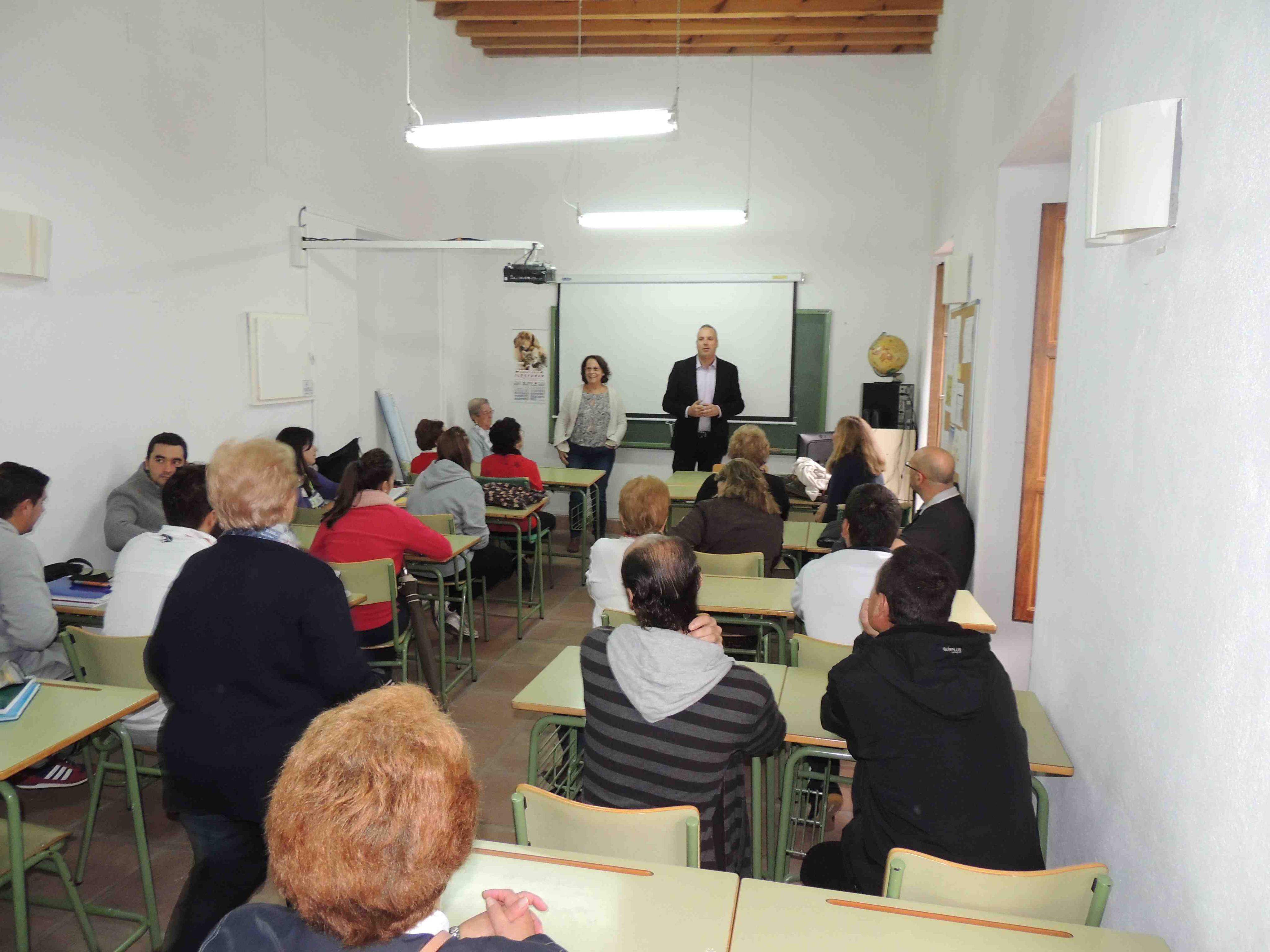 Educación oferta en Granada más de 26.000 plazas de Educación para personas adultas