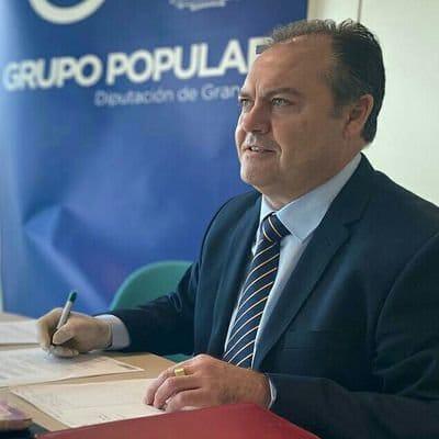 El PP exige a Entrena que «obligue» al portavoz socialista en Lújar a dimitir por supuesto cultivo de droga