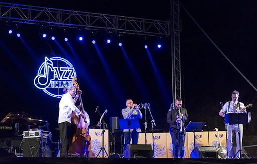 Atarfe suspende hasta el año que viene el Festival de Jazz en el Lago