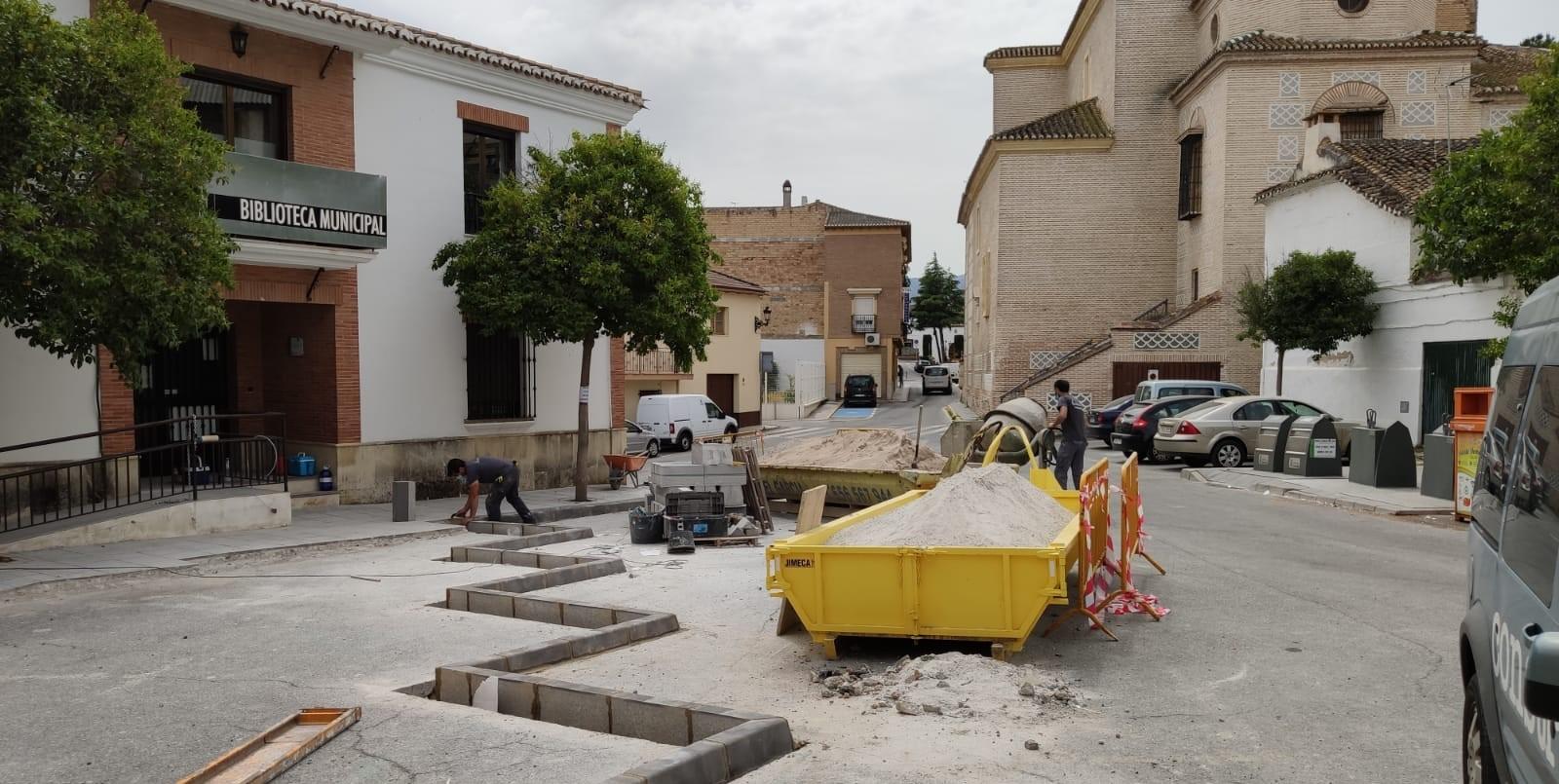 Comienzan las obras de acondicionamiento de las plazas Paz y Constitución de Alhendín
