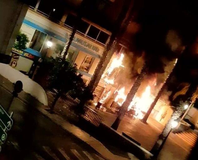 Investigan las causas de un incendio en la terraza de una churrería de Almuñécar esta madrugada