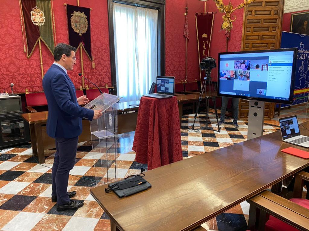El alcalde confía en alcanzar «el máximo consenso» con PSOE y el resto de partidos para el presupuesto