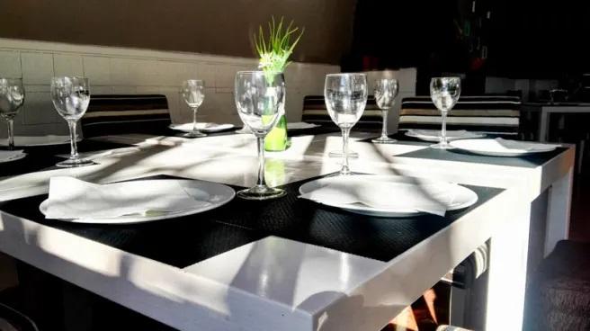 Los bares y restaurantes de Huétor Vega podrán ampliar la superficie de sus terrazas sin coste alguno