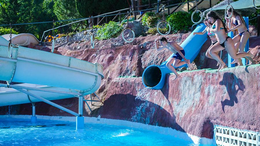 Aquaola trabajar en implantar medidas de seguridad y descuentos para salvar la teporada