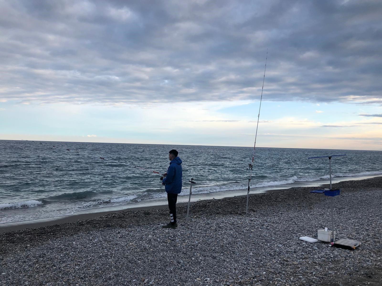 Motril regula la pesca deportiva y recreativa durante la crisis sanitaria
