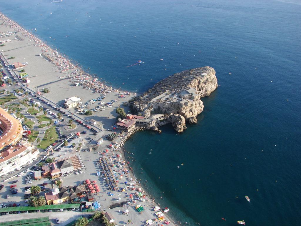 Salobreña fija horarios y un aforo de 19.187 personas para sus playas