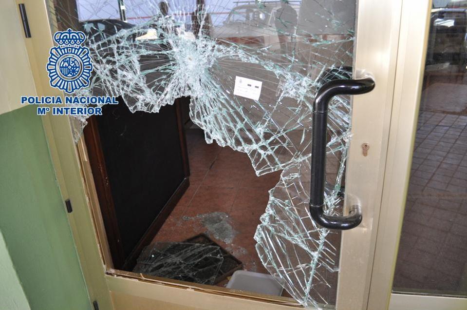 Detenido después de robar un bar y un teléfono móvil de una vivienda en Baza