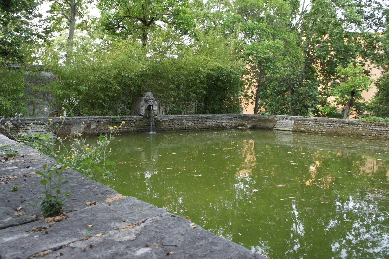 La Alhambra licita las obras de consolidación del albercón del Carmen de Peñapartida