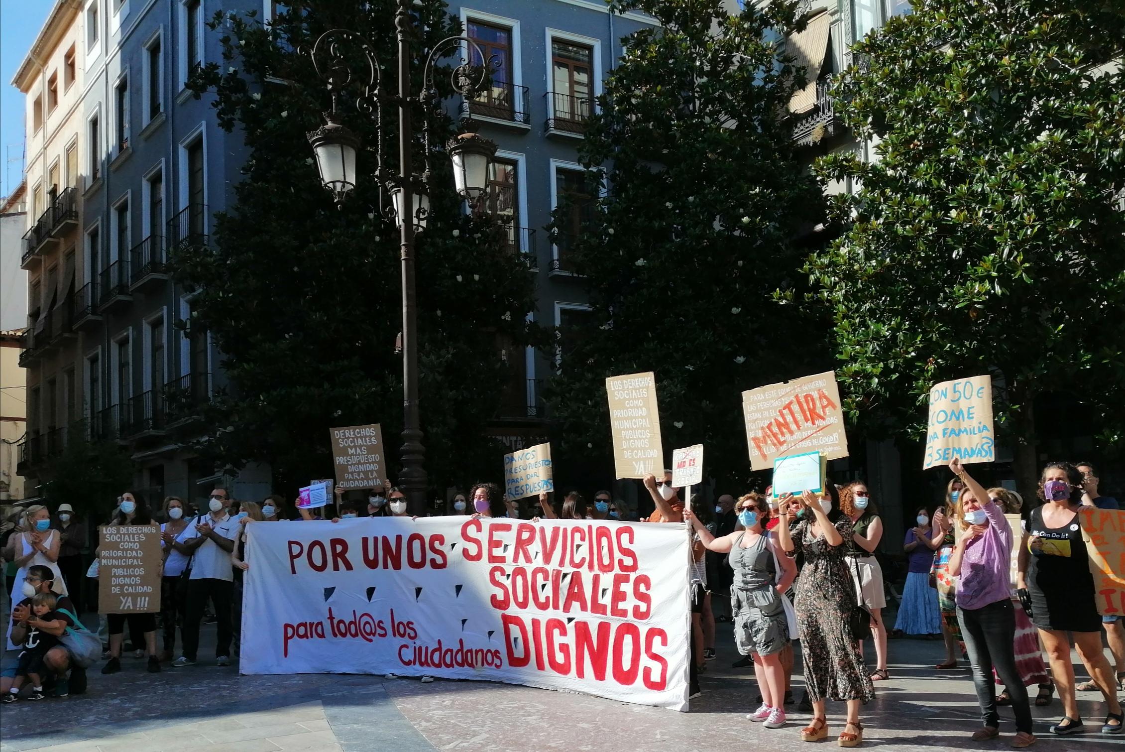 El personal de derechos sociales del Ayuntamiento exige que se recomponga el área