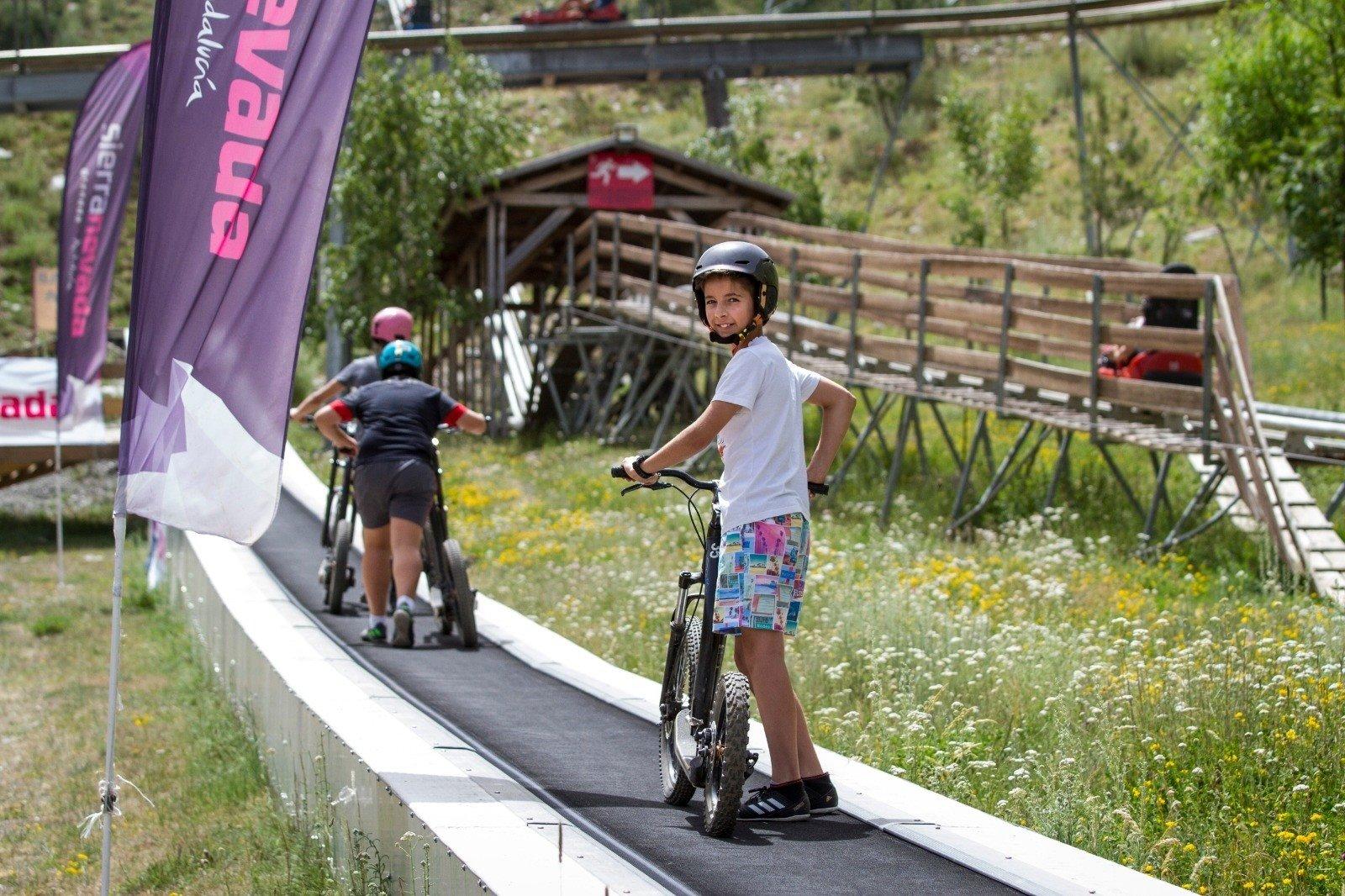 Sierra Nevada mantiene para julio y agosto sus campamentos de verano con inglés, deporte y naturaleza