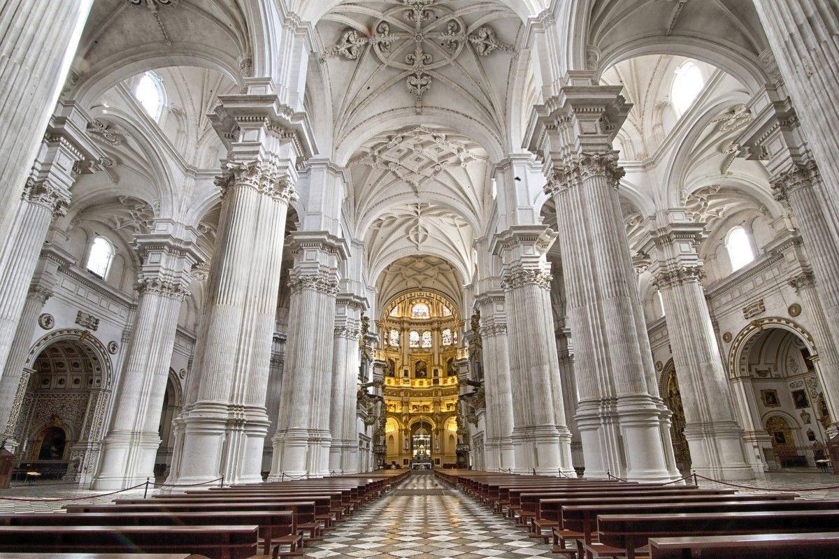 Las parroquias seguirán celebrando misa con limitación de aforo