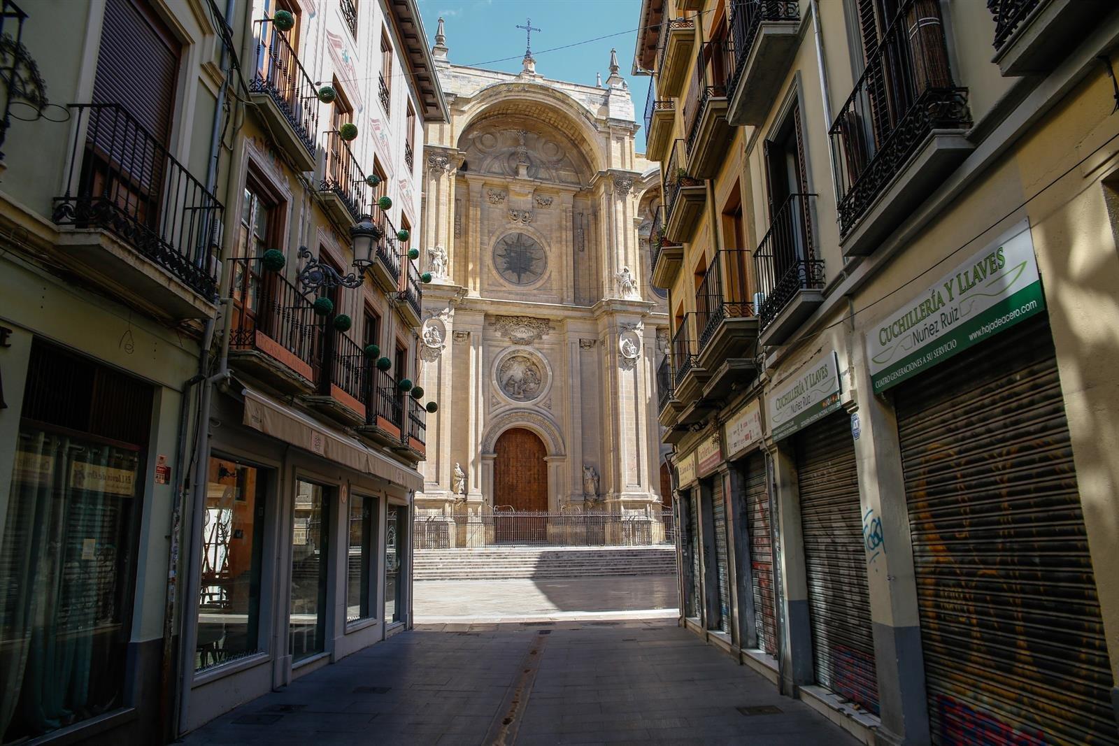 Granada capital y otros 160 municipios andaluces en riesgo extremo tras una semana sin estado de alarma