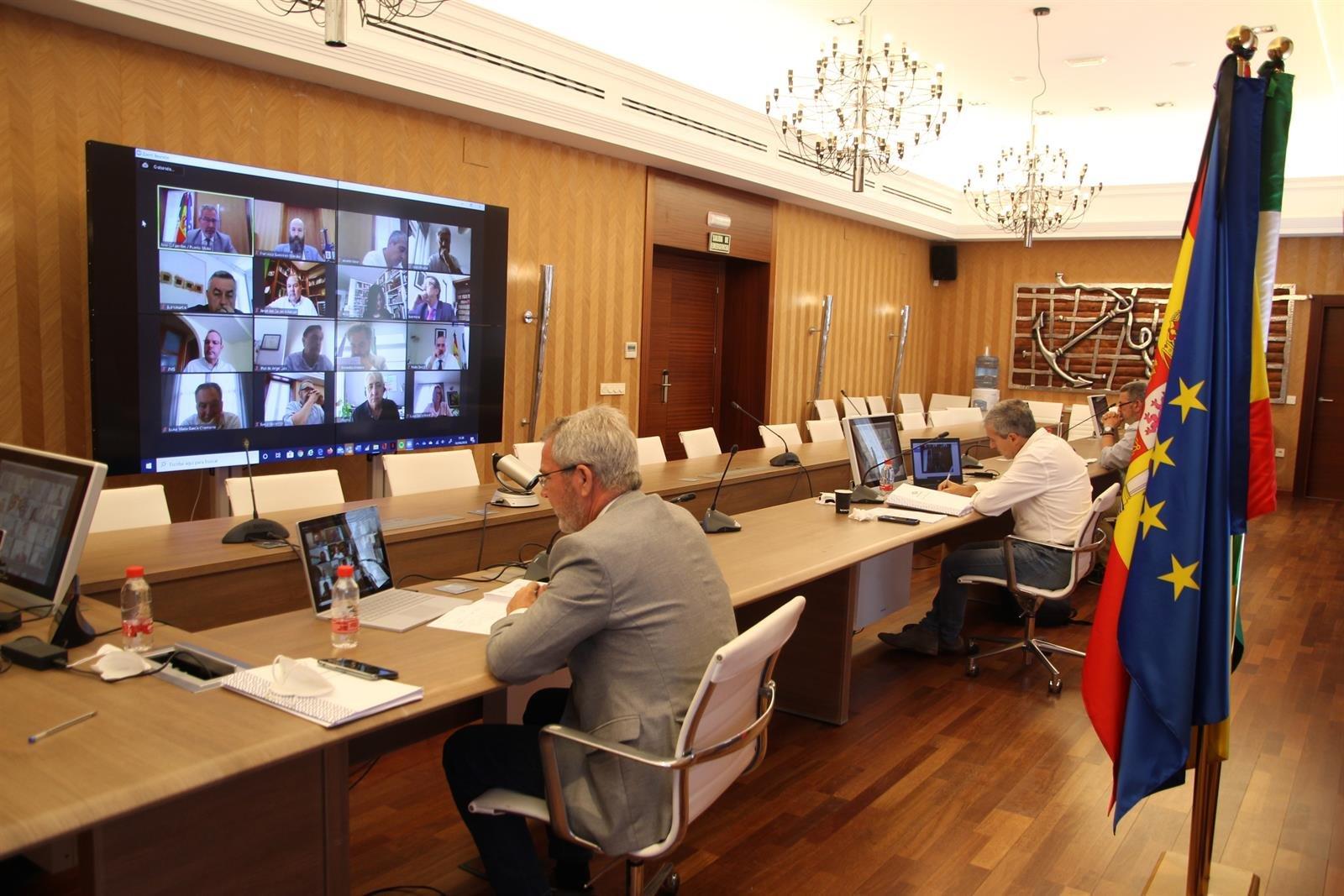 Motril aprueba concesiones y autorizaciones sobre más de 1.700 metros cuadrados