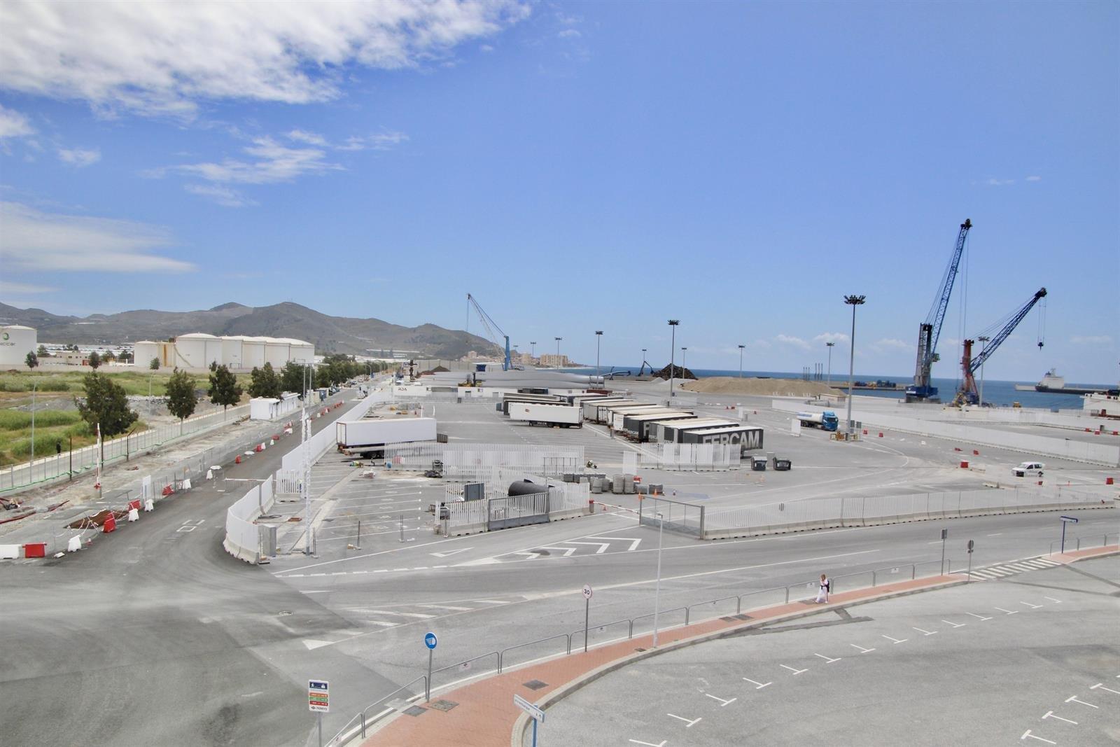 El depósito temporal de mercancías de Motril, el primero de España gestionado por autoridad portuaria