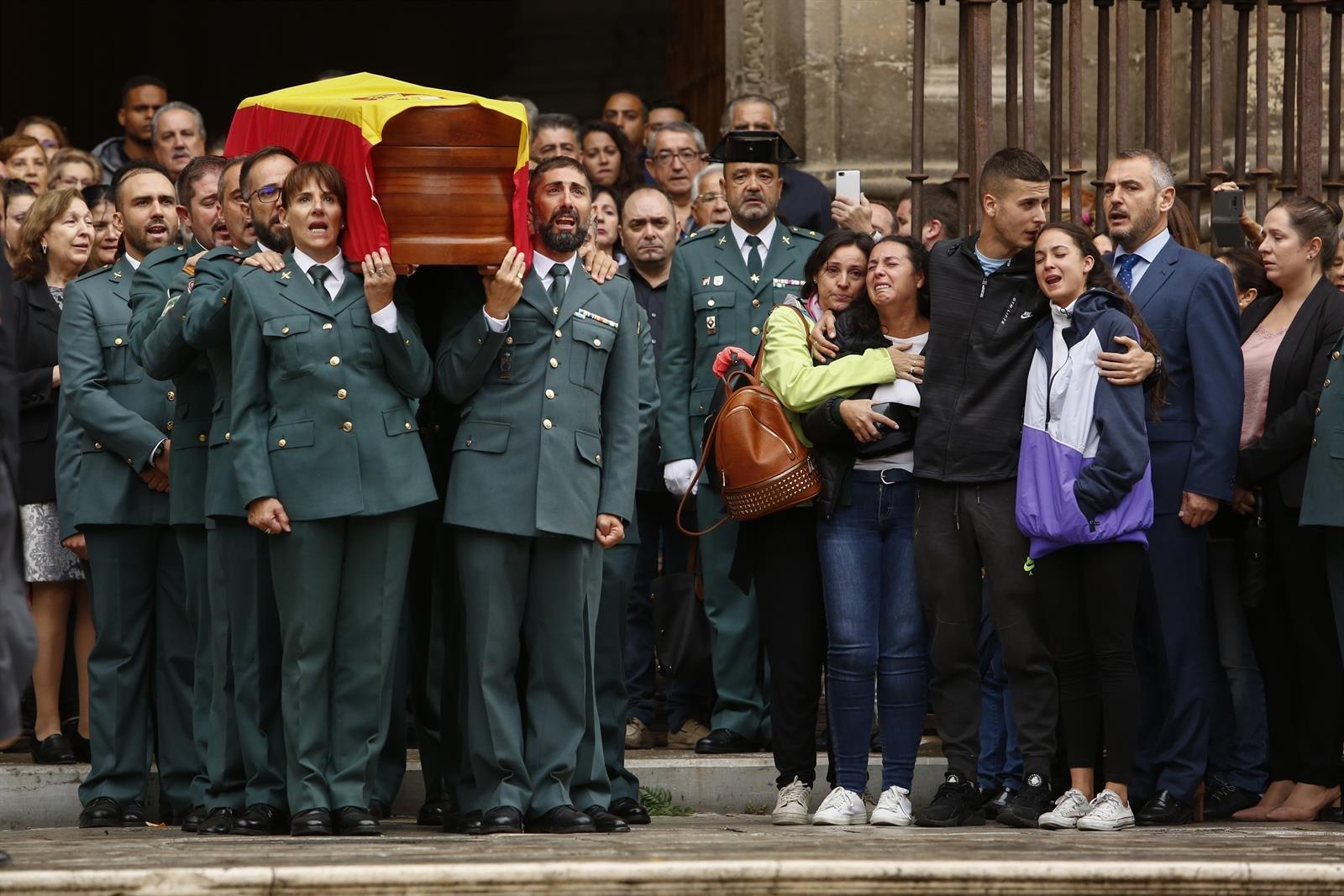 La viuda del agente asesinado en Huétor Vega «justicia» antes del inicio del juicio