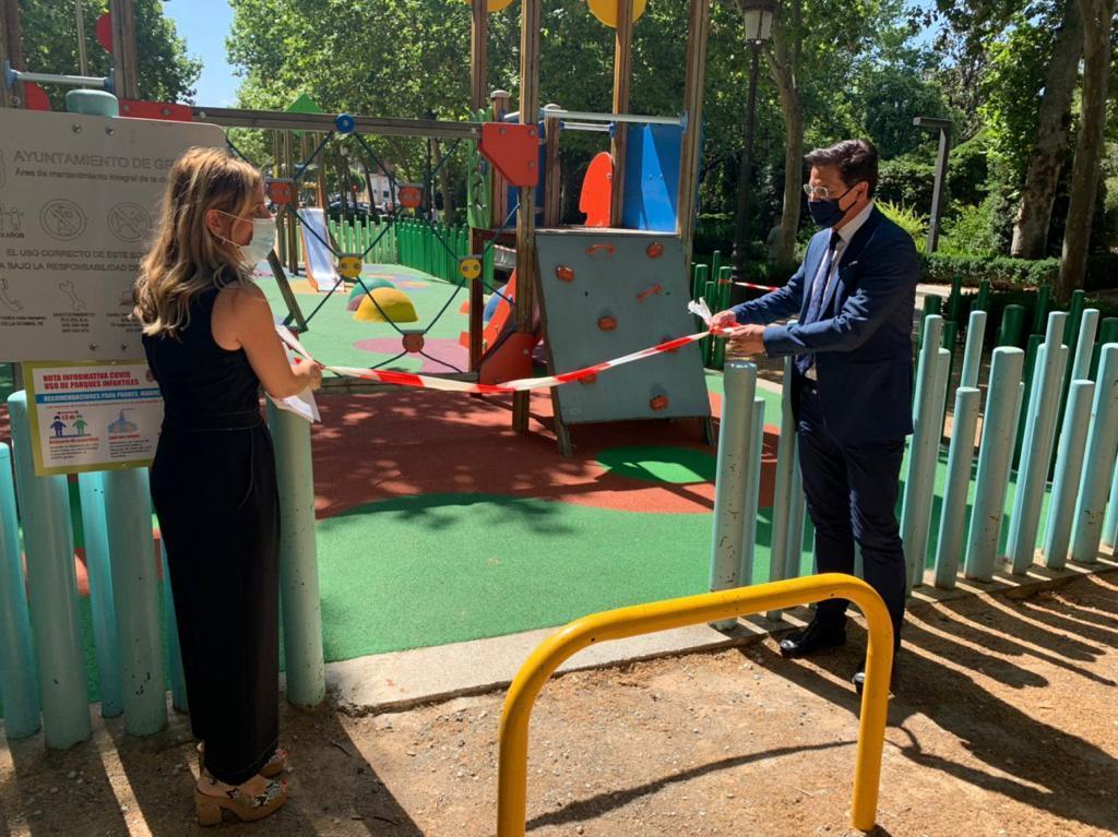 El Ayuntamiento abre las zonas infantiles y de entrenamiento para mayores en los parques
