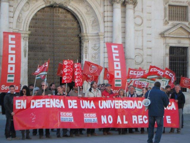 CCOO y UGT convocan movilizaciones contra el recorte del gobierno andaluz en las universidades públicas