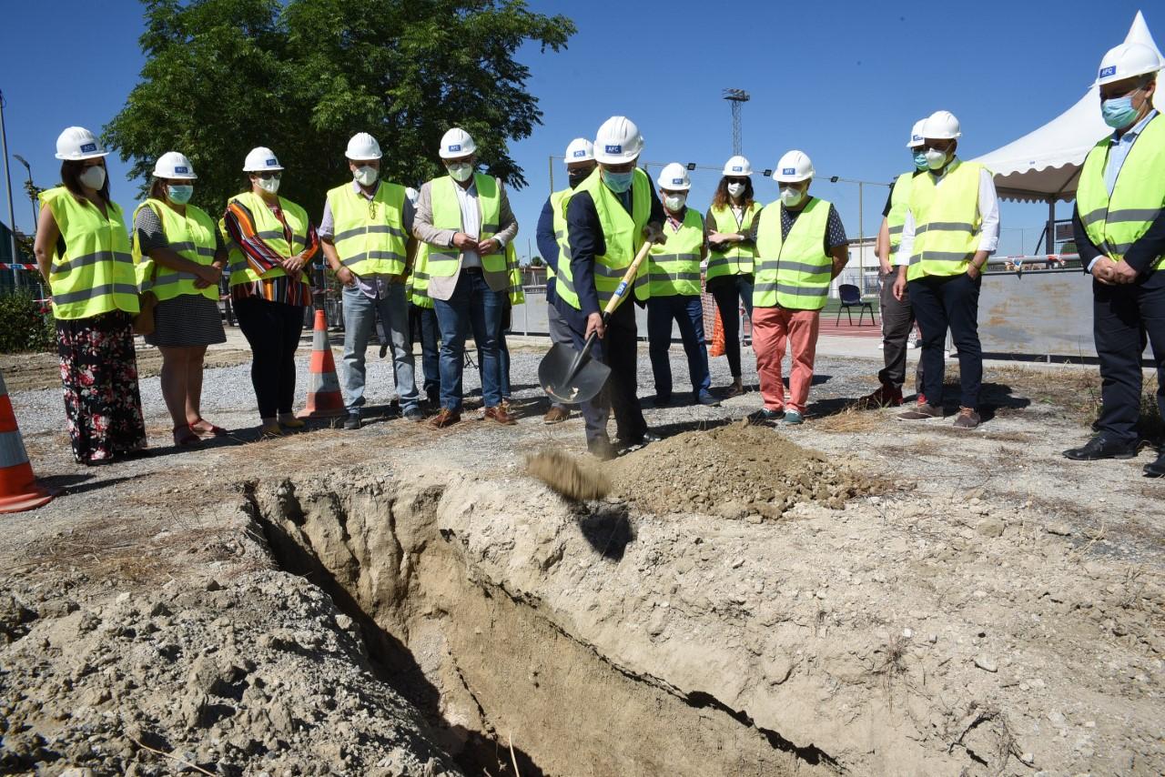 Vegas del Genil inicia la construcción de su nuevo pabellón deportivo municipal
